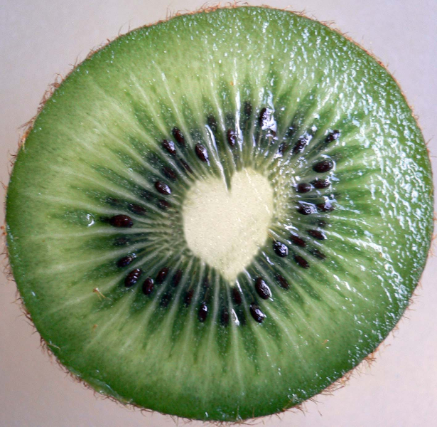 kiwi-love-heart-normal